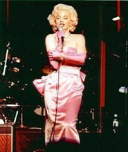 260_Marilyn_Monroe_Look_Alike_Impersonator