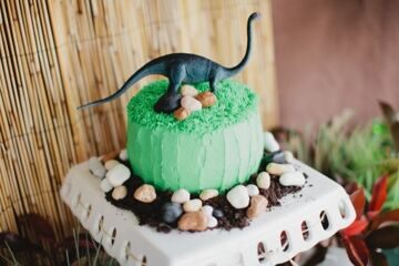 dinosaur_birthday_party_dessert_table_cake_cupcake_couture