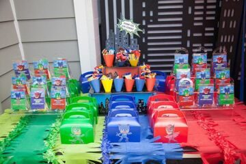 PJ-Masks-Superhero-Birthday-Party-via-Karas-Party-Ideas-KarasPartyIdeas.com25