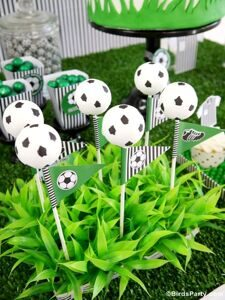 brasil-world-cup-fifa-2014-party-ideas-supplies-printables-cake-pops-football