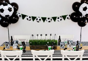 tablescapes-blackandwhite-soccerparty-table1-660x460