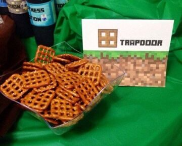 Top-10-Recipes-and-Ideas-for-Minecraft-Party-Food-1 (1)