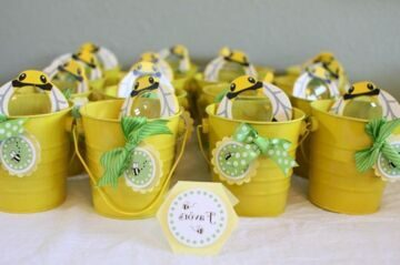 bumble-bee-baby-shower-party-favors-556c0b6c1db62